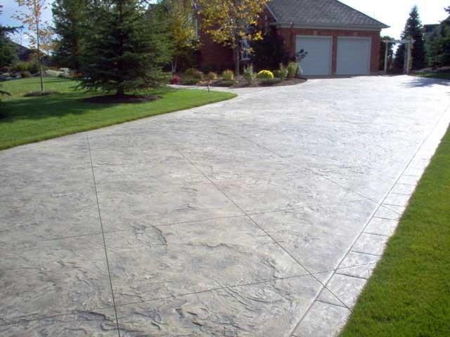 How to Pour Concrete Driveways